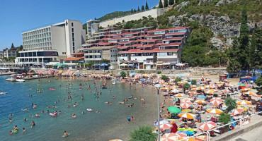 NEUM Uhićen 57-godišnjak koji je mobitelom snimao djecu na plaži