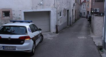MOSTAR Zbog pokušaja ubojstva trudne supruge, 33-godišnjak dobio mjesec dana pritvora