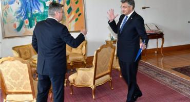 SUSRET Plenković se nije želio rukovati s Milanovićem