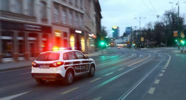 SARAJEVO U policijskoj potjeri jedna osoba poginula, policajac teško ozlijeđen, jedna osoba privedena, a jedna pobjegla