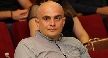 SLAVEN RAGUŽ Zašto nitko ne upita Safeta Oručevića ima li on problema s prelaskom hrvatske granice s hrvatskim dokumentima?