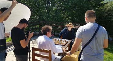 PRIPREMA ALBUMA Crvena jabuka snimila spot sa poznatim glumcem