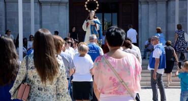 VELIKA GOSPA 2020 Vjernici se slijevaju u marijanska svetišta