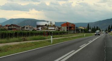 Hercegovina se i dalje reklamira fotografijama austrijskih vinograda