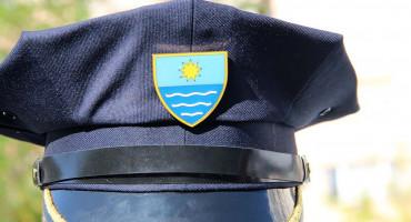 BEZ OZLJEDA Pijan napao patrolu policije