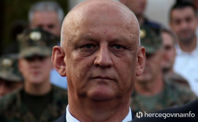 CRNA LISTA Predsjednik Hrvatske se kod Amerikanaca zauzeo za Ljubu Ćesića Rojsa