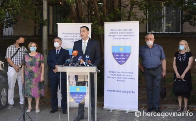 ODGOVORI Koja tri modela su ponuđena školama, što ako dijete ima temperaturu, hoće li nositi masku...