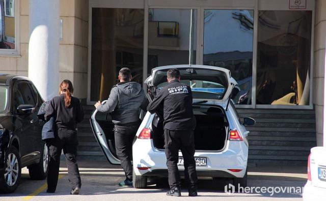 SIPA kod Prozora uhitila krijumčara ljudi