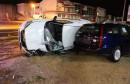 MOSTAR U jednoj nezgodi auto udario u parkirana vozila, a u drugoj srušio banderu