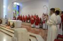 POČETAK SLUŽBE BISKUPA PALIĆA Prva krizma u Čitluku, a večeras slavio misu u Mostaru