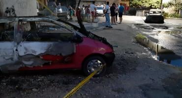 MOSTAR U požaru izgorjela dva automobila