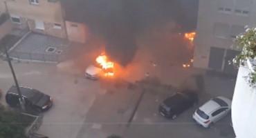 MOSTAR Pogledajte kako su gorjeli automobili
