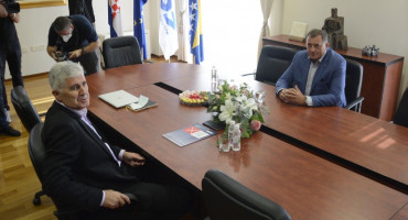KRATKI SASTANAK U MOSTARU Zajedno ćemo djelovati u Hercegbosanskoj županiji