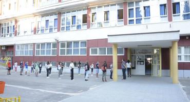 KRIZNI STOŽER HNŽ U učionicama gdje se mogu ispoštovati sve epidemiološke mjere, može biti 18 učenika