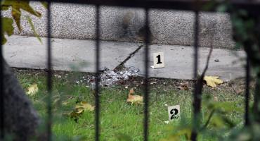 U ZORU Eksplozija u Mostaru, oštećena kuća i auto