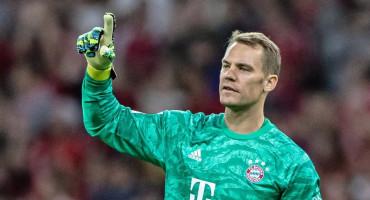 MOŽDA PROMIJENI I REPREZENTACIJU Neuer došao na hrvatsku misu u Münchenu