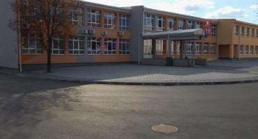 GRUDE U blizini škole pretučen maloljetnik