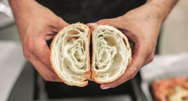 Koliko puta ste došli u pekarnu ili u trgovinu i svoj kruh ste dobili rukom bez zaštite?