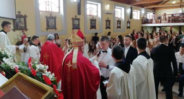 Zadnja krizma biskupa Ratka, sutra predaje dužnost