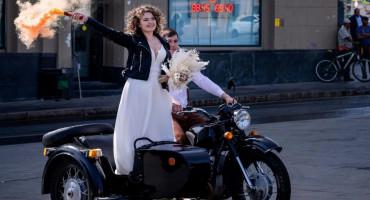 DALMATINSKI MLADENCI U NEVOLJAMA Masovno selili svatove u Hercegovinu, a sada im i ta opcija otpada