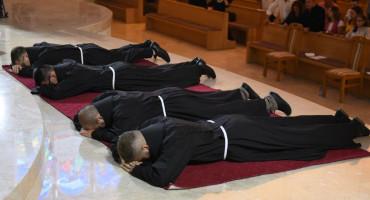 MOSTAR Četvorica franjevaca položili doživotne zavjete