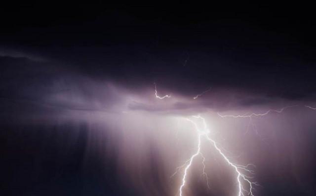 Pogledajte nebo iznad Međugorja za vrijeme velikog nevremena
