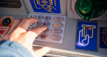 TUŽITELJSTVO Dvojac iz Rusije došao u BiH da na prijevaru uzme novac s bankomata