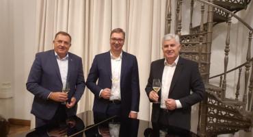 KAD GOD SE SRETNEMO UVIJEK SE ZALIJE Aleksandar Vučić ugostio Milorada Dodika i Dragana Čovića