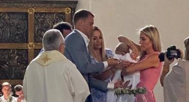 IMAM KUMA NEMA GA DRŽAVA Neuer kum na krštenju malom Hrvatu iz Münchena