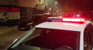 INCIDENT U MOSTARU Huligani demolirali kafić, privedeno nekoliko osoba
