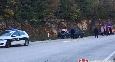 TEŠKA PROMETNA NESREĆA Na cesti između Rame i Tomislavgrada poginule dvije osobe