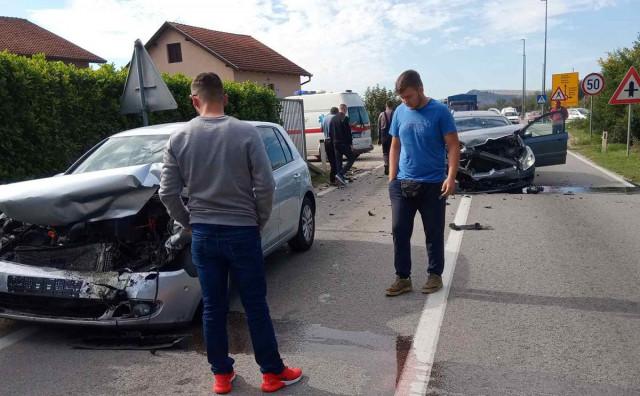 Težak sudar osobnih automobila kod Čapljine