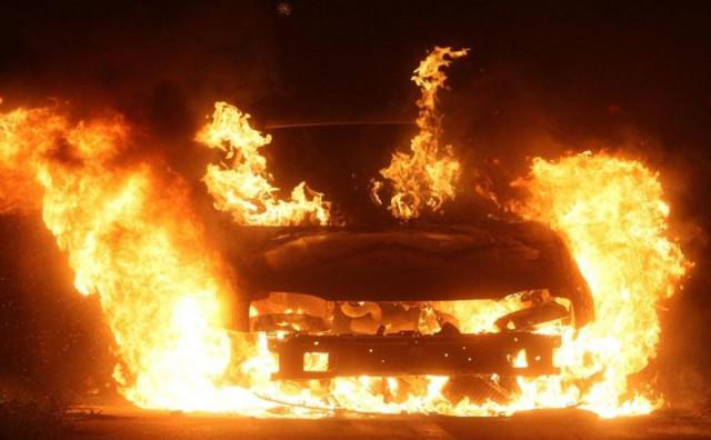 ŠIROKI BRIJEG Na Trnu izgorio osobni automobil