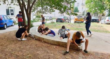 LIJEPA MOSTARSKA PRIČA Djeca i odrasli uljepšali gradski kvart