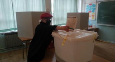 SIP: Osim incidenta u Čapljini proces izbori u Hercegovini bez problema, sukobi u Bosni