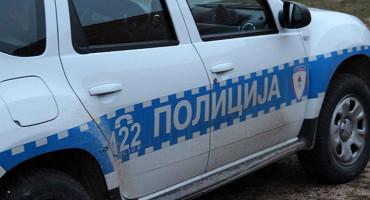 SUMNJA SE NA EKSPLOZIV Ispod vozila trebinjskog vijećnika pronađen najlonski zamotuljak