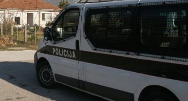 ŠUJICA - TOMISLAVGRAD Policijska potjera za krijumčarima ilegalnih migranata