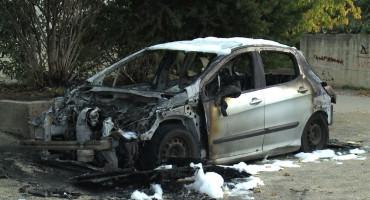 U Trebinju za dva dana zapaljena dva automobila