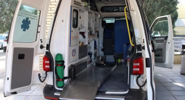 MUP HNŽ U naletu automobila teško ozlijeđena dva pješaka