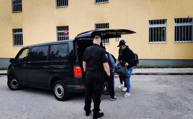 Iz BiH udaljeno 13 stranaca; Više od 14 000 migranata želi azil