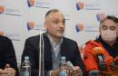 """Jovanović i Komšić predvodili """"navijačku skupinu"""", palile se dimne i ispaljivao vatromet"""