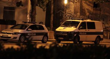 MOSTAR Dvojica maskiranih muškaraca uz prijetnju automatskim oružjem opljačkali trgovinu