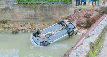 MOSTAR Poginula jedna osoba prilikom slijetanja auta u rijeku