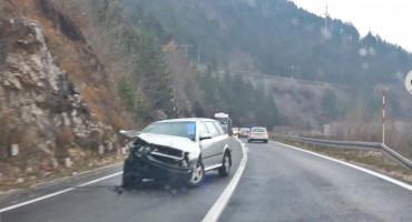 JABLANICA U izravnom sudaru automobila, ozlijeđene dvije osobe