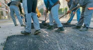 SREDIŠTE MOSTARA Prvi sloj asfalta nagovijestio završetak radova