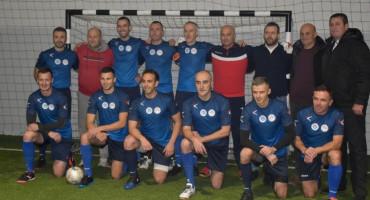 ZAJEDNO ZA ANTEU U Ljubuškom odigrana humanitarna utakmica između reprezentacije sudaca i Humanih zvijezda