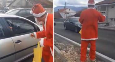 Sveti Nikola zaustavljao automobile u Mostaru i dijelio darove