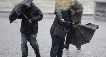 IZDANO NARANČASTO UPOZORENJE Sutra se u BiH očekuju jaki udari juga