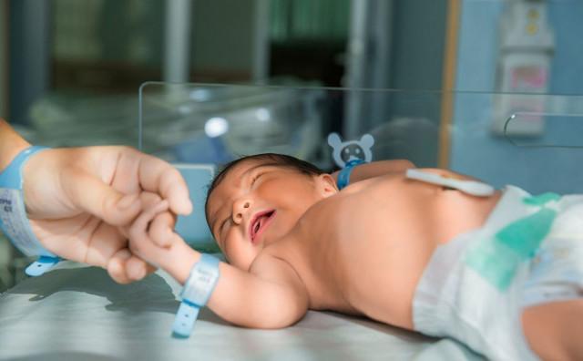 MALI DAVID Prva beba u 2021. u Hrvatskoj rođena u Sisku