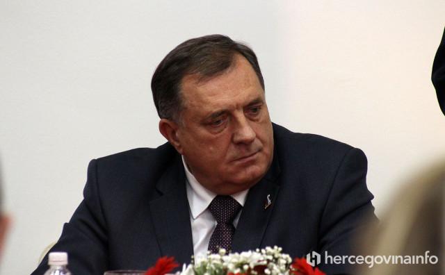 OPET NEZADOVOLJAN Dodik 'ruši' Oružane snage BiH i pravi svoju vojsku